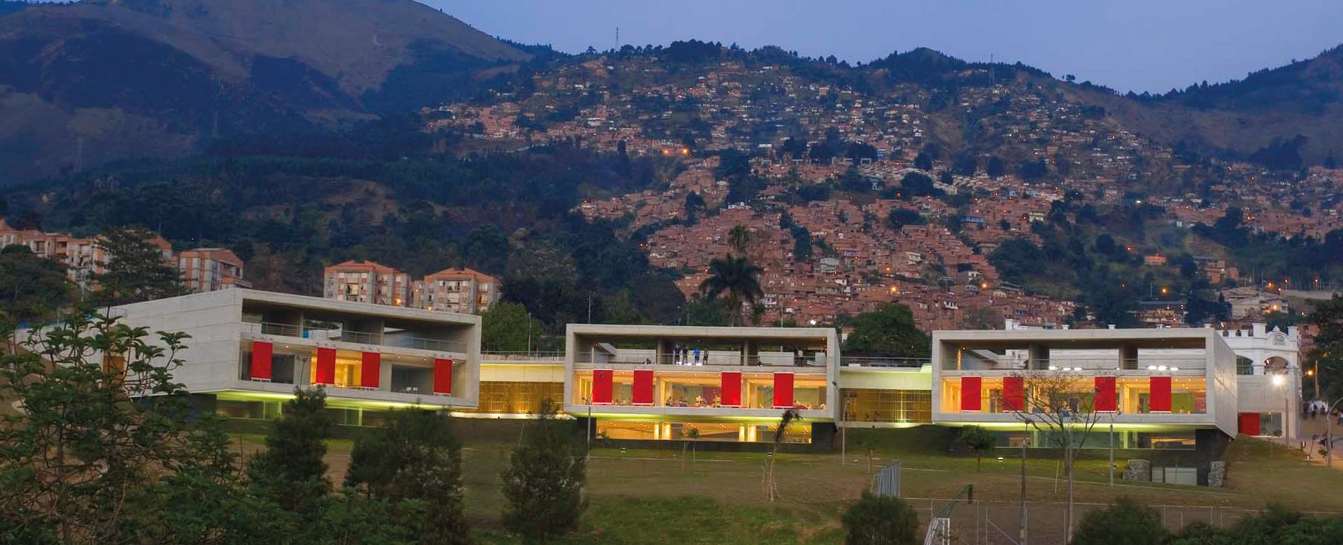 019 Leon De Greiff Library Park El Equipo Mazzanti